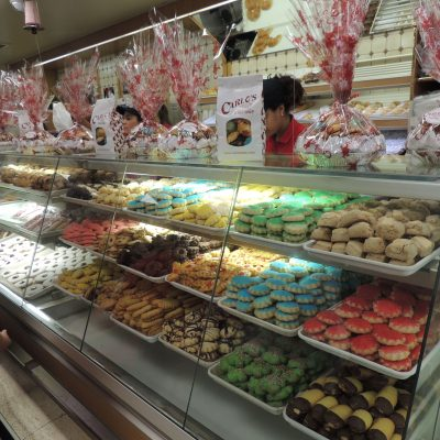 Carlo's Bakery Cakes, Prices, & How to Order