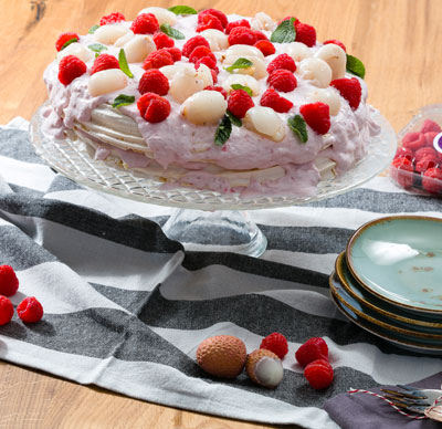 dominique ansel bakery - pavlova_lychees_freambozen_