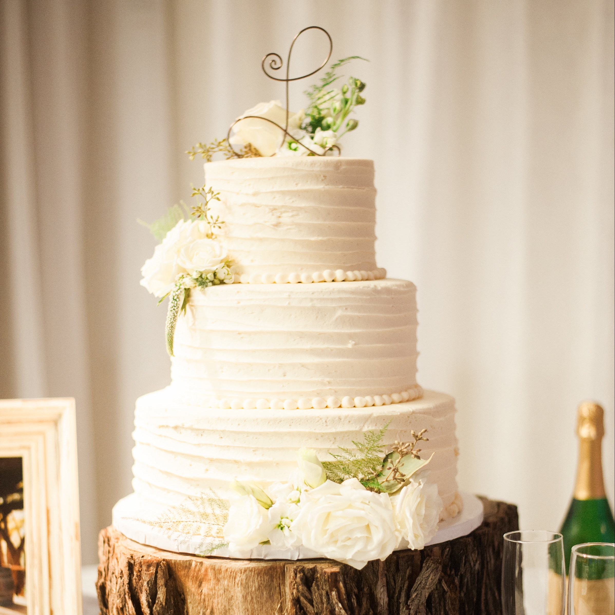 Wedding Cakes: Hy-Vee Cakes, Prices, & How To Order