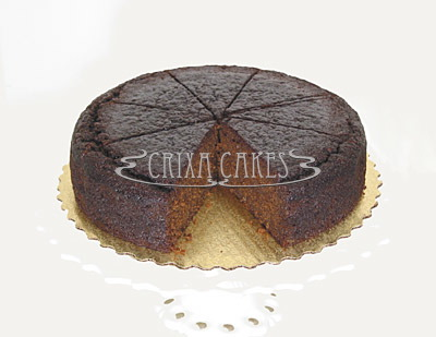 Crixa Cakes' fresh ginger cake on top of gold plate