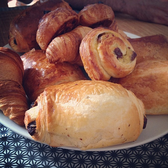 VIENNOISERIE on a plate