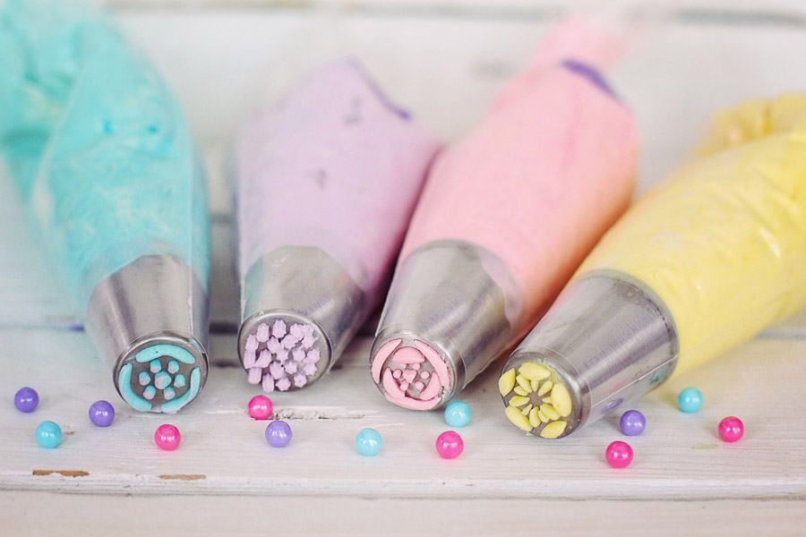 Different colors of frosting pipes