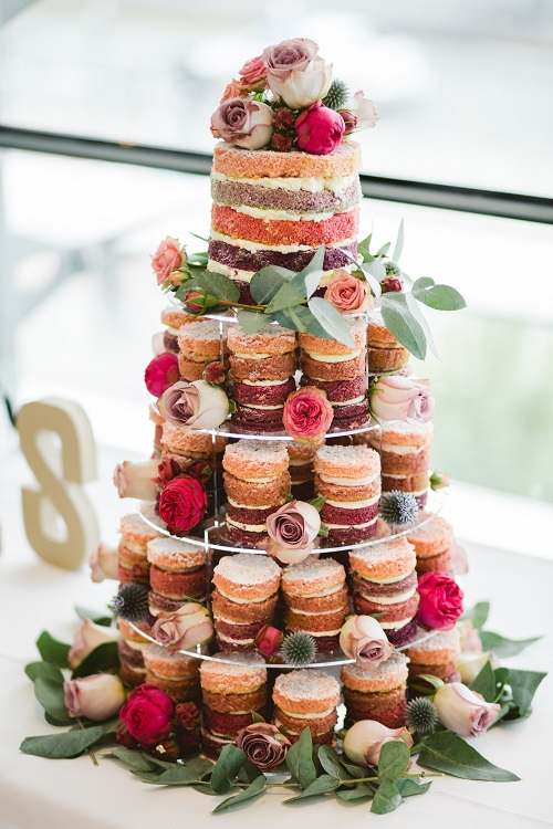5 layered cakes with different colors